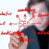 Es gibt viele Kriterien, die die Positionen von Internetseiten in Suchmaschinen beeinflussen.
